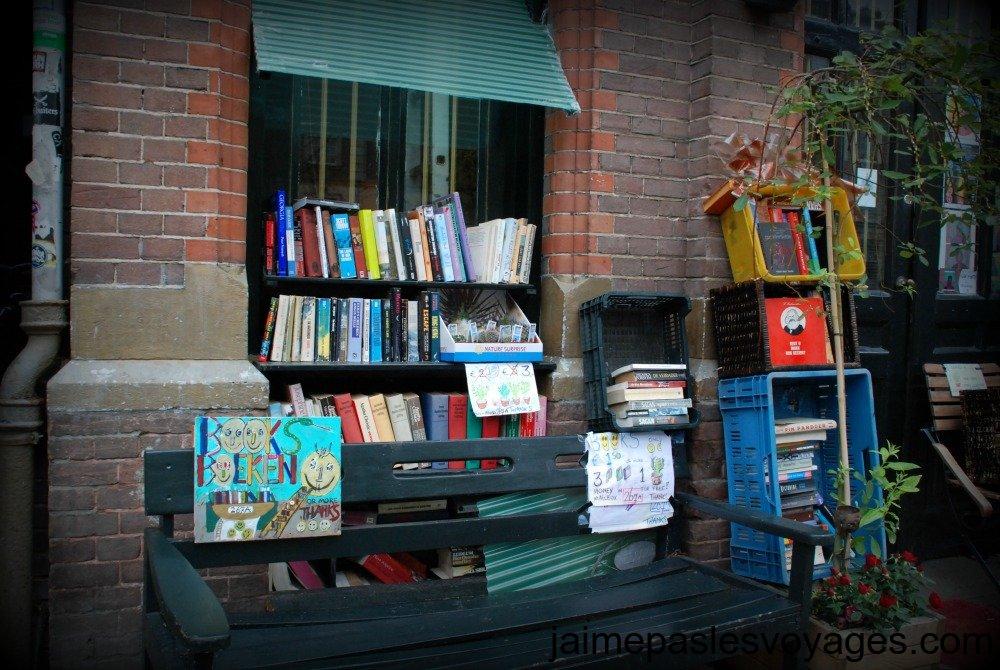 Une bibliotheque d'Amsterdam