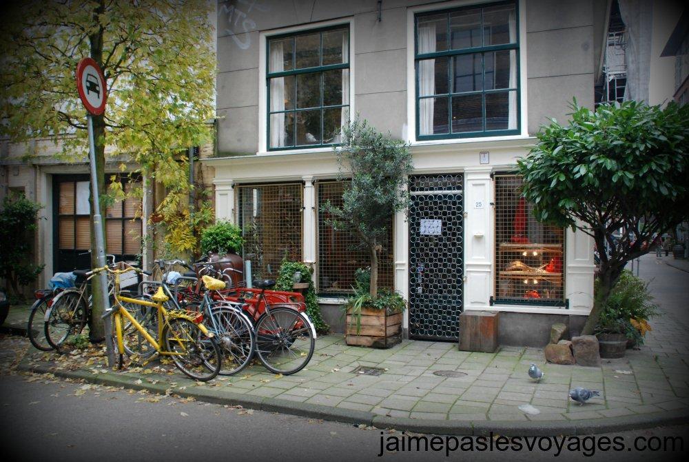 Une petite rue d'Amsterdam
