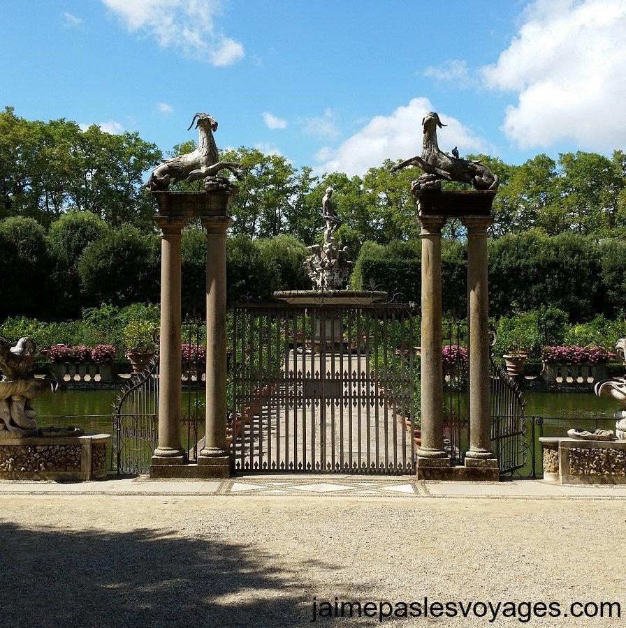 Fontana dell`Isola