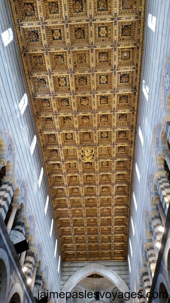 Le magnifique plafond de la cathédrale de Pise