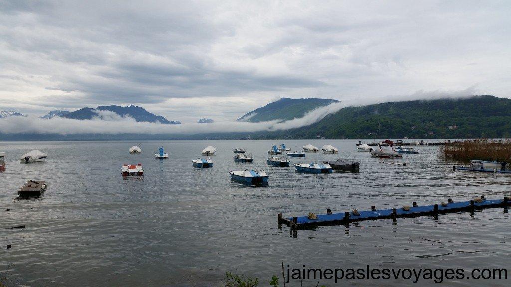 Le lac accessible en pedalo